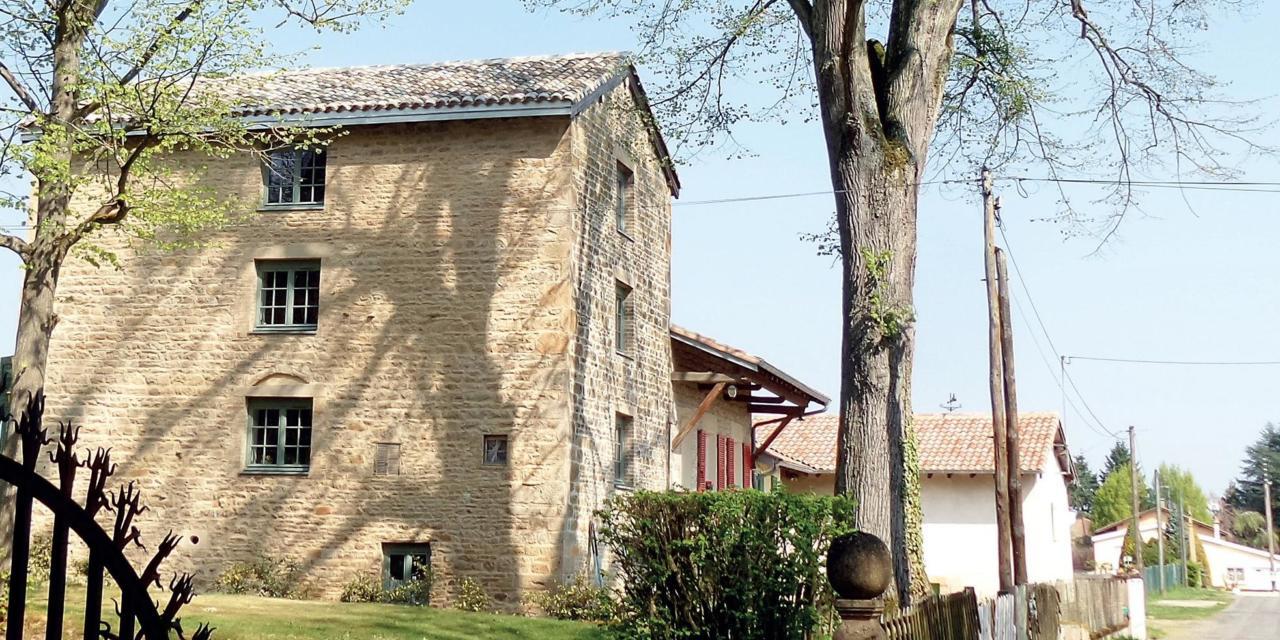 Crêches-sur-Saône : Une roue au moulin d'Estours