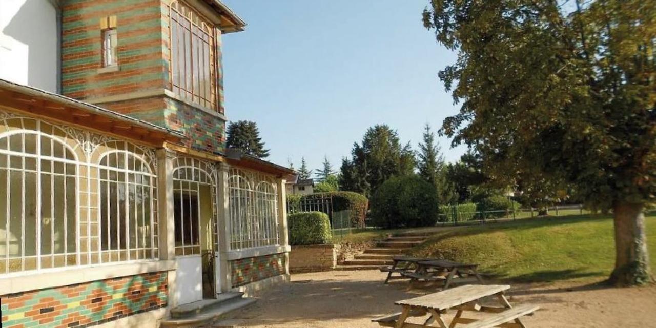 Un manoir dans les vignes à Prissé